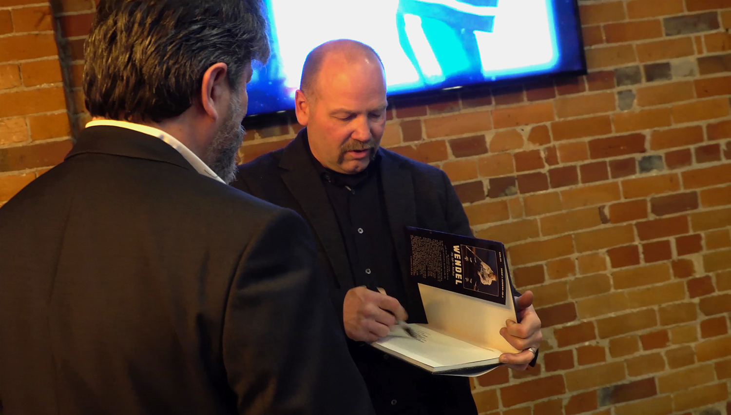 Wendel Clark at book signing.